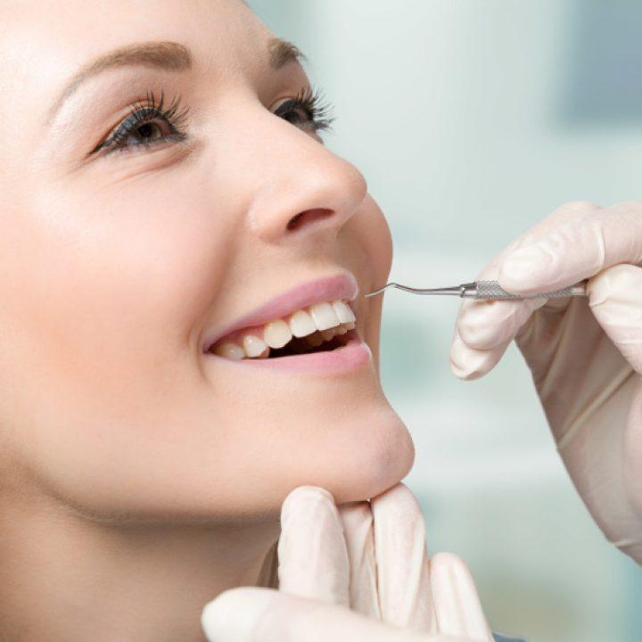 Najlepsza metoda odbudowy uzębienia – implanty zębowe